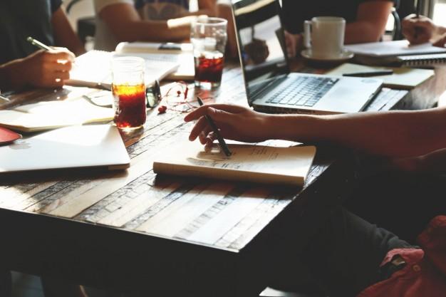 働き方選択への第一歩!フリーランスと起業の違いを知ろう